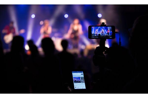 Video trực tiếp - Video content tiếp tục là xu hướng bùng nổ trong marketing năm 2020